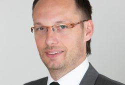 izredni profesor, Pravna fakulteta Univerze v Ljubljani